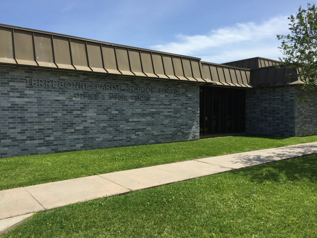 Front View of the Terrebonne Parish School Board Office and Media Center